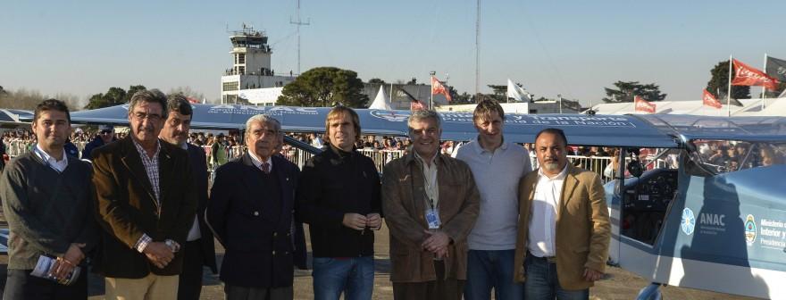 2014-08-09-argentina-vuela-2014-entrega-petrel